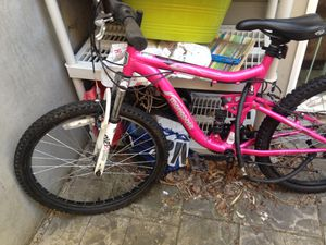 """Girls Mountain bike-Pink Mongoose 24"""" for Sale in Portland, OR"""