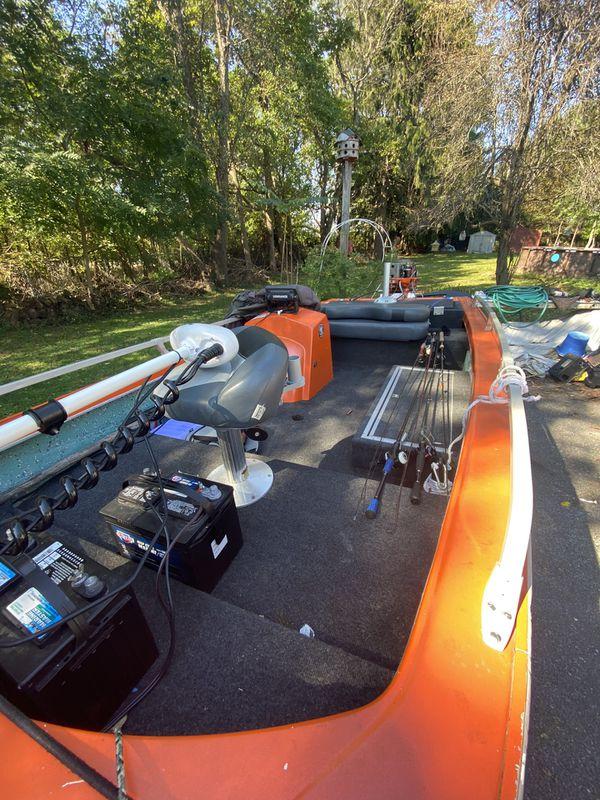 15 ft fiberglass bass boat