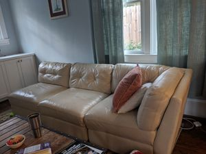 Leather sectional sofa. Five pieces with one ottoman. Free coffee table! Used but good condition. for Sale in Atlanta, GA