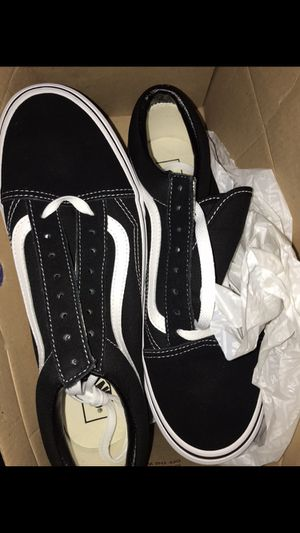 NEW OLD SKOOL MENS VANS SIZE 10 for Sale in Huntington Beach, CA