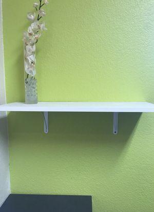 Small book/picture shelf for Sale in Austin, TX