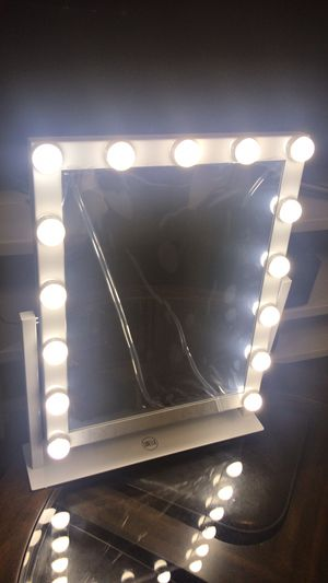 15 Led Bulbs Hollywood Vanity Makeup Mirror with Lights Dressing Table Mirror for Sale in Los Angeles, CA