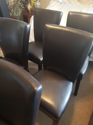 1 dining table with 6 chairs for Sale in Houston, TX