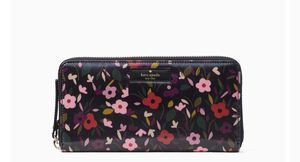 Authentic Kate Spade Wallet for Sale in Dumfries, VA
