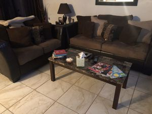 Living room set w 2 end tables and coffee table for Sale in Port Arthur, TX
