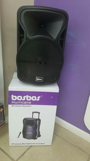 Hurricane Speaker and microphone for Sale in Baton Rouge, LA