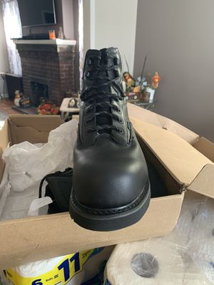 New in box shy test composite work boots size 11 for Sale in Union City, NJ
