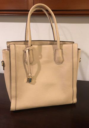 Tan purse - like new! for Sale in La Mesa, CA