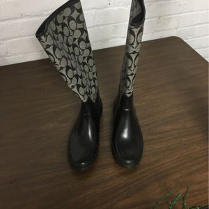 Coach Rain Boots Size 8 for Sale in Schaumburg, IL