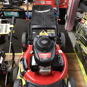 Troy-Bilt 21 in. 160 cc Honda Gas Walk Behind Push Mower with High Rear Wheels and 3-in-1 Cutting TriAction Cutting System for Sale in Los Angeles, CA