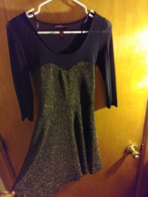 Beautiful mesh gold glittered flurry dress for Sale in St. Louis, MO
