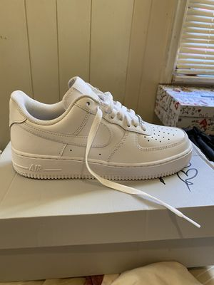 AIR FORCE 1S SIZE 8 NEVER WORN DAMAGE BOX WITH RECEIPT for Sale in Wynnewood, PA
