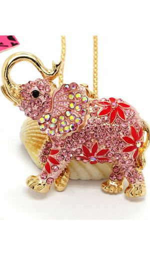 Stunning Rhinestone Pink Elephant Betsey Johnson brand in a gold chain o for Sale in Northfield, OH