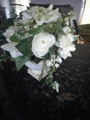 Home decor artificial flowers for Sale in Fresno, CA