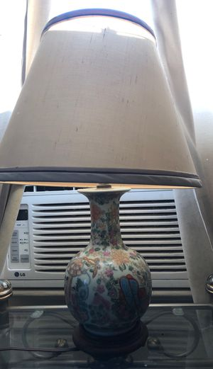 pretty antique lamp!! for Sale in Vancouver, WA