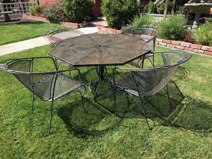 Metal outdoor patio table and chairs for Sale in Cupertino, CA