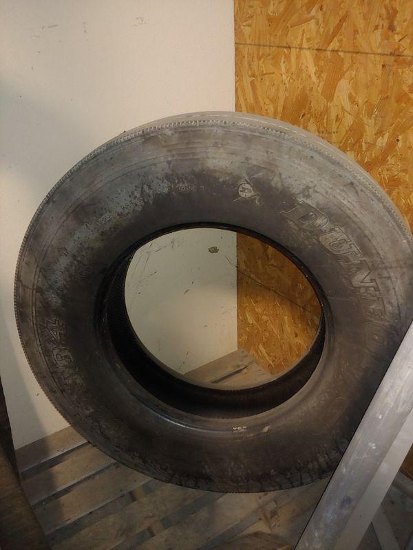 11R 22.5 tires