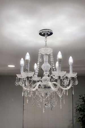 chandelier with bulbs 💡 for Sale in Peoria, AZ