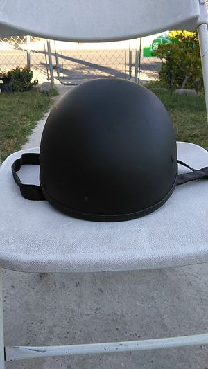 Black Helmet. Size medium. for Sale in Rialto, CA