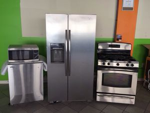 Stainless steel kitchen set for Sale in Chesterfield Township, NJ