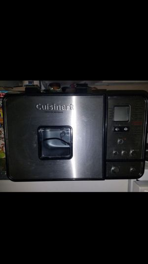 Cuisinart bread maker for Sale in Delray Beach, FL