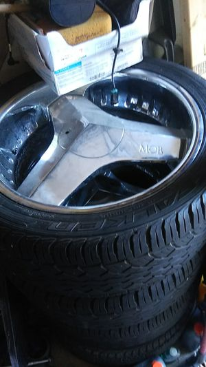 22 inch mobs all center caps 6 lug for Sale in Indianapolis, IN