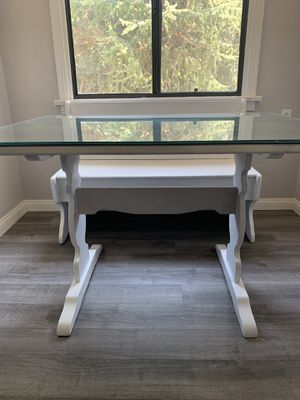 Glass top kitchen table with storage bench for Sale in Mentone, CA
