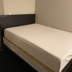 Queen Mattress, Boxspring, Frame, & Headboard (Old 1 Year Old) for Sale in Boynton Beach, FL