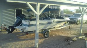 Bayliner boat 85 hp engine runs perfect. LOTS OF EXTRAS for Sale in Apache Junction, AZ