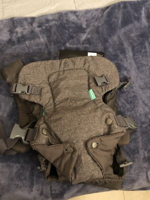 Infantino Baby Carrier — USED TWICE for Sale in Orlando, FL