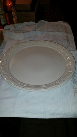 Longaberger Cake plate, ivory for Sale in Arlington, TX