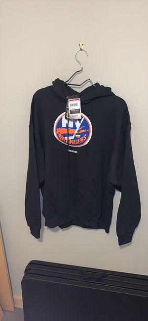 Men's NY Islanders hockey hoodie size XL for Sale in Portland, OR