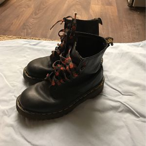 Dr. Marten's Air Cushion Sole Boots. Black. Black Laces With Red Flames. Size 6. for Sale in Layton, UT