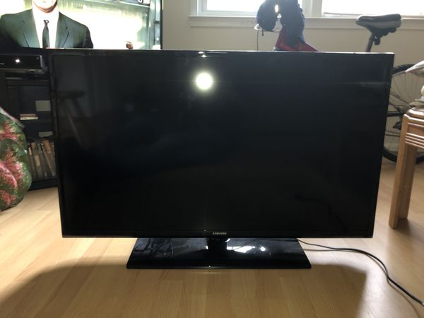 Samsung TV 32 inch For Sale / Remote control Ph1 {contact info removed}