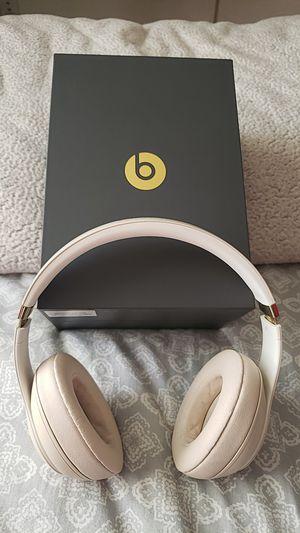 Beats headphones for Sale in Hayward, CA