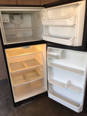 Fridgidaire fridge works great $100 can deliver for Sale in Phoenix, AZ