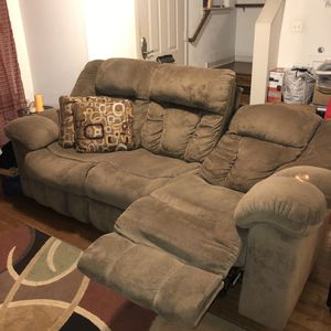 Big comfy couch for Sale in Philadelphia, PA