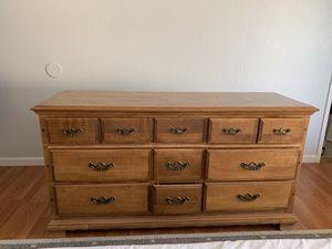 9 Drawer dresser for Sale in Hemet, CA