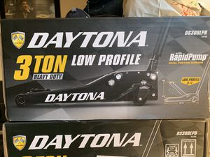 Daytona low pro jack 3 ton new $150 for Sale in Bell, CA