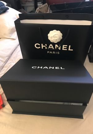 Authentic Chanel box and bag for Sale in Walnut, CA