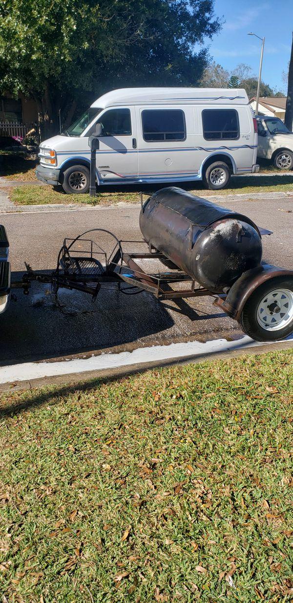 Propane bbq grill