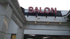 Salon sign ....5 letters work great for Sale in Tampa, FL