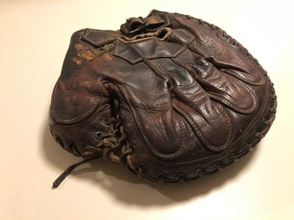 Vintage 1920's Baseball Glove