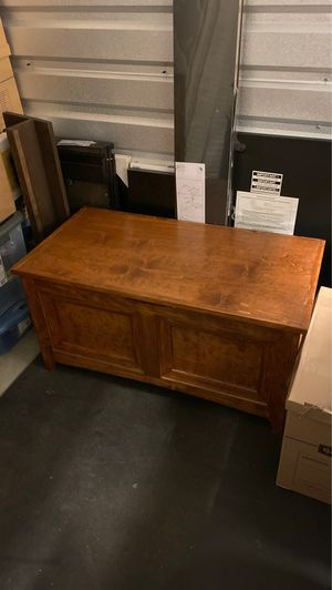Wooden chest for Sale in Columbus, OH