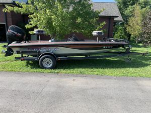1996 Pro Craft 185 Dual Pro Bass Boat with Trailer for Sale in CASTALIN SPGS, TN