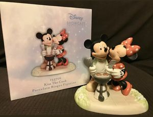 Precious Moments Disney Mickey And Minnie Mouse Kiss The Cook Figurine #133706 for Sale in Spring Valley, CA