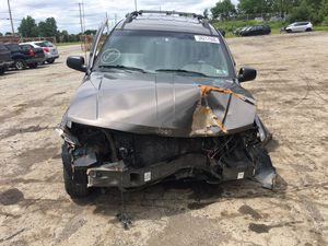Parting out 2000 Jeep Grand Cherokee 4x4 for Sale in New Castle, PA