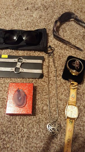 Sunglasses and Jewelry for Sale in Moreno Valley, CA