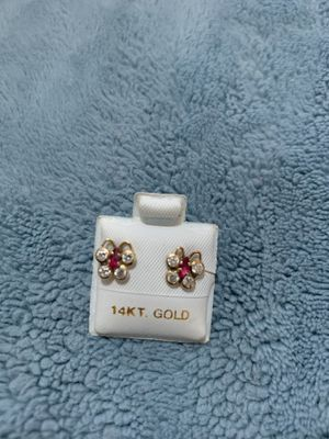 14kt gold earrings for baby for Sale in Oxon Hill-Glassmanor, MD
