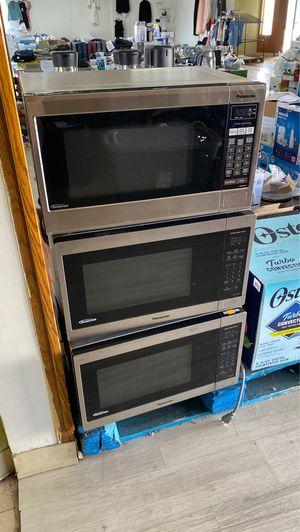 Microwave 1.3 cu for Sale in Rosemead, CA